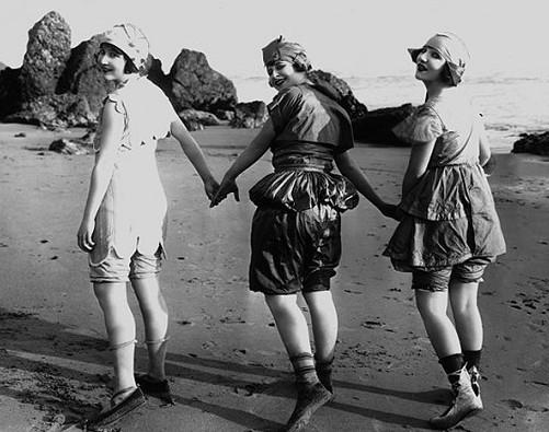 Beach frolicks, legs, and high art meet once again at the world's most glamourous film festival as a major exhibition of favourite pin-ups from the Kobal Collection's archives go on display in Cannes until the end of the festival (22 May).<br><br> 
