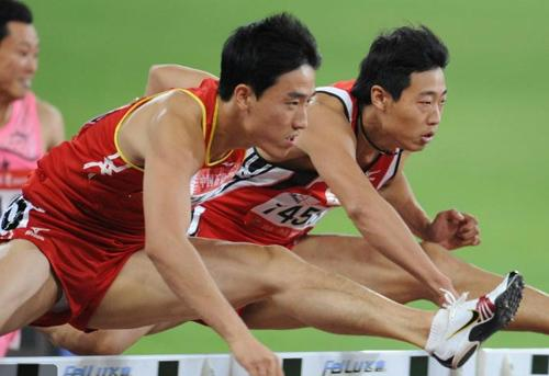 刘翔/[高清组图]田径史冬鹏晋级男子110米栏决赛