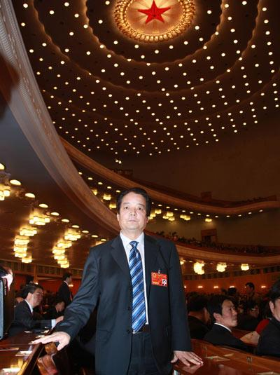 王勇超在全国人大代表大会议上