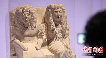 Photo taken on May 10, 2010 shows national treasures of Egypt on show at World Expo. (Photo: Chinanews.com)