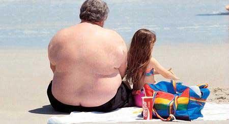 Obesitycompoundstheharmfuleffectsofheavydrinkingontheliver,newresearchinmorethan9,000Scottishmenshows.(Photosource:ChinaDaily)