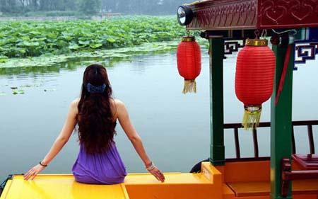 LotusesareinfullbloomattheOldSummerPalace.(Photo:China.org.cn)