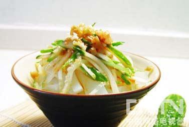 酸辣黄瓜拌凉粉(黄瓜+辣椒)