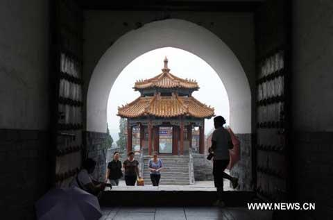 Photo taken on July 30, 2010 shows a pavilion at the Zhongyue Temple in central China's Henan Province. The World Heritage Committee decided on July 31,2010, during its 34th meeting taking place in Brasilia, to include the Chinese Historic Monuments of Dengfeng in the World Heritage List. (Xinhua/Zhu Xiang)