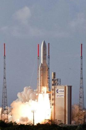 An Ariane-5 rocket blasts off from the European Space Agency's centre in Kourou August 4, 2010 in this photo released by the ESA. The Ariane rocket placed the Egyptian telecommunications Nilesat 201 and a Rascom QAF1R into orbit and intended for live television in the Gulf, Middle East and Africa for some 15 years. (Xinhua/AFP Photo)