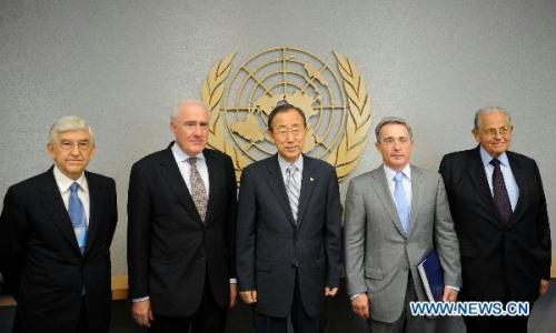 The Panel of Inquiry on the Flotilla Incident, headed by former prime minister of New Zealand Geoffrey Palmer (2nd L), and vice-chaired by outgoing President of Colombia Alvaro Uribe Velez(2nd R), the Israeli member Joseph Ciechanover (1st R) and Turkish member Ozdem Sanberk (1st L), meet with UN Secretary General Ban Ki-moon at the UN headquarters in New York, the United States, Aug. 10, 2010. UN Secretary-General Ban Ki-moon on Tuesday met with the four members of the panel of inquiry on the Israeli raid on a Turkish aid flotilla bound for Gaza on May 31. (Xinhua/Shen Hong)