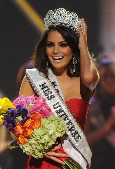 Miss Mexico Jimena Navarrete reacts after being crowned Miss Universe 2010 during the Miss Universe pageant at the Mandalay Bay Events Center in Las Vegas, Nevada August 23, 2010.(Xinhua/AFP Photo)