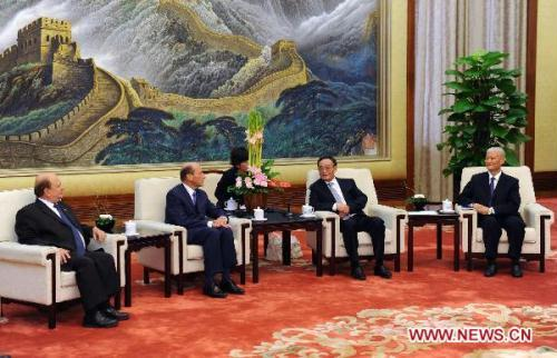 Wu Bangguo (2nd R), chairman of the Standing Committee of China's National People's Congress (NPC), meets with a delegation of Sino-French Friendship Group of the French National Assembly and the Senate in Beijing, China, Aug. 25, 2010. (Xinhua/Li Tao)