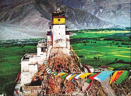 "Shannan prefecture is home to many ""firsts"", such as the first Tibetan palace Yambulakang. (Source: China Daily/ Asia News Photo/Yu Zhiyong )"