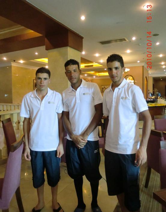 来宾 服装/钟情鸿星尔克的摩洛哥国家队车手