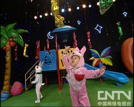 西瓜桔子做游戏小兔子摘糖果