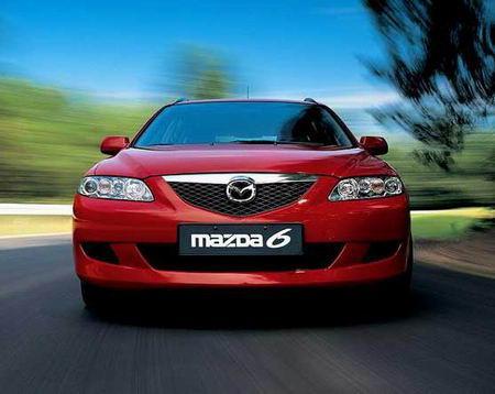 一汽马自达经销商在全国各地发动了2011款马自达6的