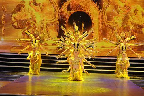 残疾人运动会_中国残疾人艺术团舞蹈表演《千手观音》- 少儿台