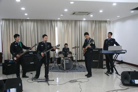 中国人民公安大学学生乐队演唱