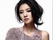 Известная певица Ань Исюань