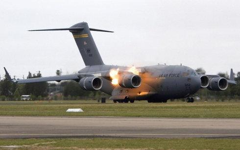 [组图]千奇百怪的飞机失事瞬间