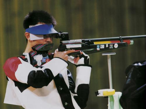中国奥运金牌录:第86金-朱启南(2004年 射击)