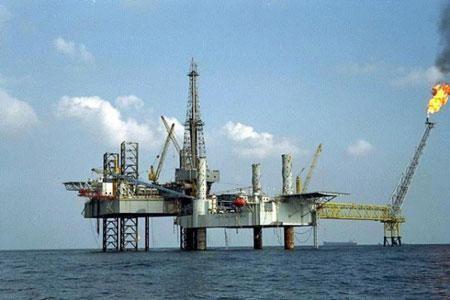 越南在南海争议区采油