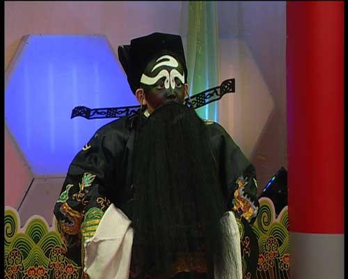 张宾顯表演《铡美案》饰演包拯