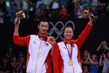 China´s Zhang Nan/Zhao Yunlei win mixed doubles badminton Olympic gold