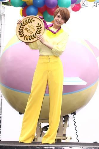 杨丞琳办新专辑《想幸福的人》预购签唱会
