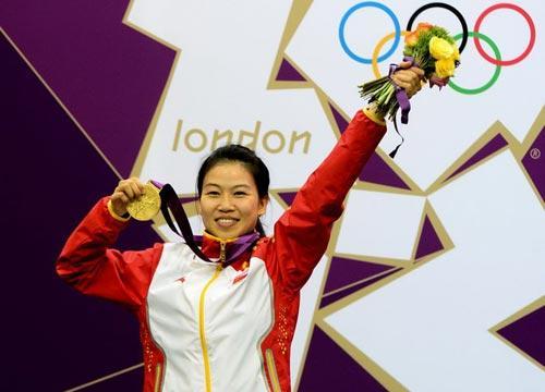 奥运冠军回国忙 超级丹 欲拍婚纱照