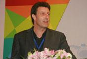 荷兰声像研究所主任Jan Muller在开幕式上做主旨演讲
