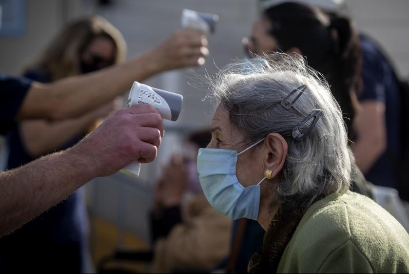 美国疾控中心预测:未来三周或再增9.2万例新冠死亡病例