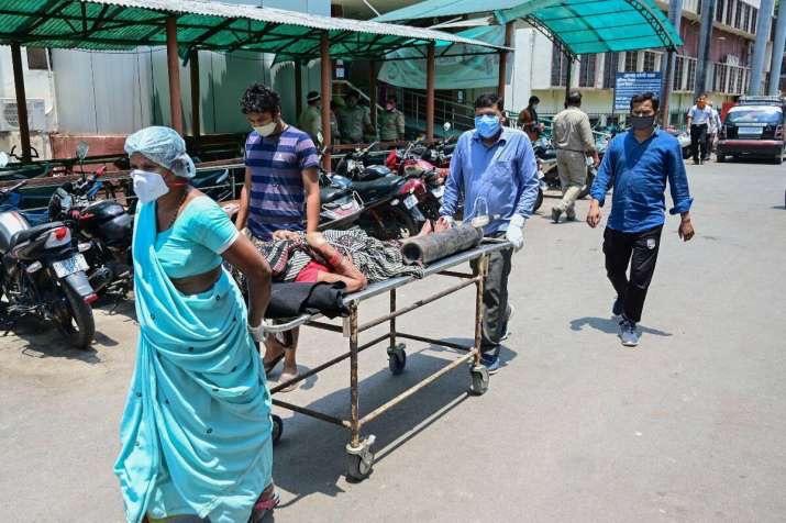 印度新增新冠肺炎确诊病例362727例 累计确诊超2370万例