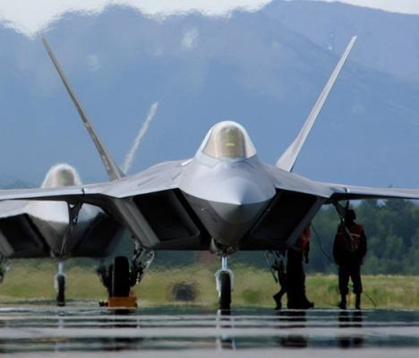 "F-22 ""Raptor"" stealthfighter jet"