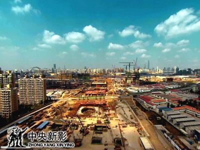 世博场馆建设如期进行。