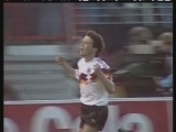 <a href=http://sports.cntv.cn/20120222/119105.shtml target=_blank>1988年欧洲杯金色瞬间</a>