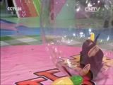 [七巧板]亲子游戏:小企鹅打保龄球