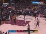 [NBA]骑士弧顶妙传篮下 小南斯接球双手砸进