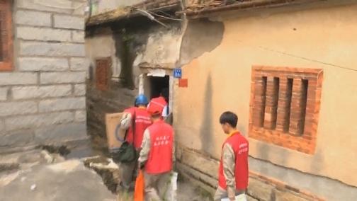 翔安电工林清江携同窗组建志愿队 3年多来助学200多名贫困生 00:01:35
