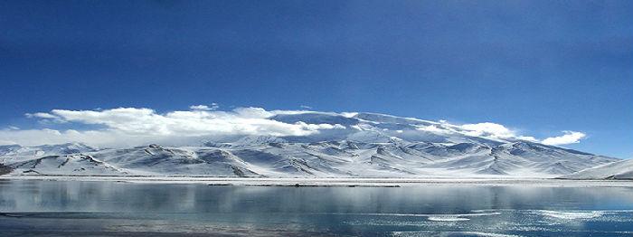 米的慕士塔格峰冰川,是当今世界最清洁的水源之一