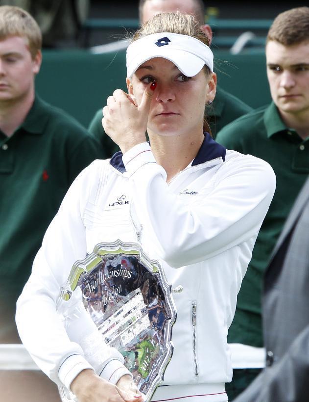获得4个WTA巡回赛单打冠军,14个双打冠军。2004年她成为中国第一位杀入大满贯16强的运动员,2006年她和晏紫搭档成为中国第一对获得大满贯女双冠军的组合,也是中国女子双打第一对进入WTA年终总决赛的组合,而2008年她更成为中国第一位闯进大满贯女单四强的运动员。