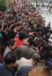 12名中国渔民遭菲律宾扣