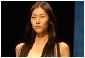Desfile de inauguración de la semana de la moda de China, Escenario T, 25 de octumbre de 2011
