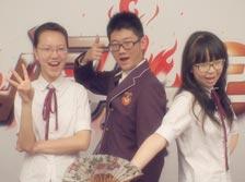 四川外国语学院附属外国语学校<br>(山城三怪队)