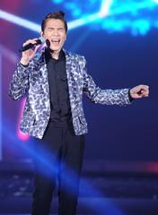 萧敬腾 演唱歌曲《只能想念你》
