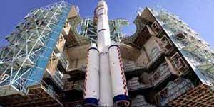 <FONT COLOR = #FF8000><B>La fusée Longue marche 2F</FONT></B><BR>