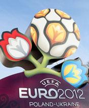 Le logo final ont été dévoilés le 14 décembre 2009 à Kiev