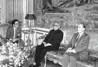 <b><font color=blue>[1987]</font></b> - Li Xiannian effectue la première visite d&#180;un président chinois en France