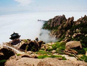 Mont Laoshan parsemé de temples du taoïsme