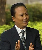 <p><b>刘汉元 全国政协常委<br>    通威集团董事局主席</b></p><br><p>  用500元钱起步,建成年销售额近300亿,全球最大的水产饲料及主要的畜禽饲料生产企业。</p>
