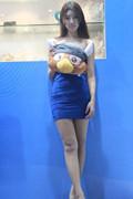 美不美看小腿 网博会超美蓝衣长腿姐妹花