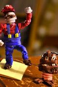 用铁芯捆线绳扎出的游戏人物!看牛人的手艺活