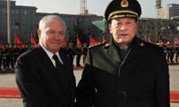 """盖茨来了 中美两军""""增信释疑""""?"""