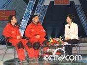 """CCTV三项学习教育活动:""""相聚党旗下""""报告会"""